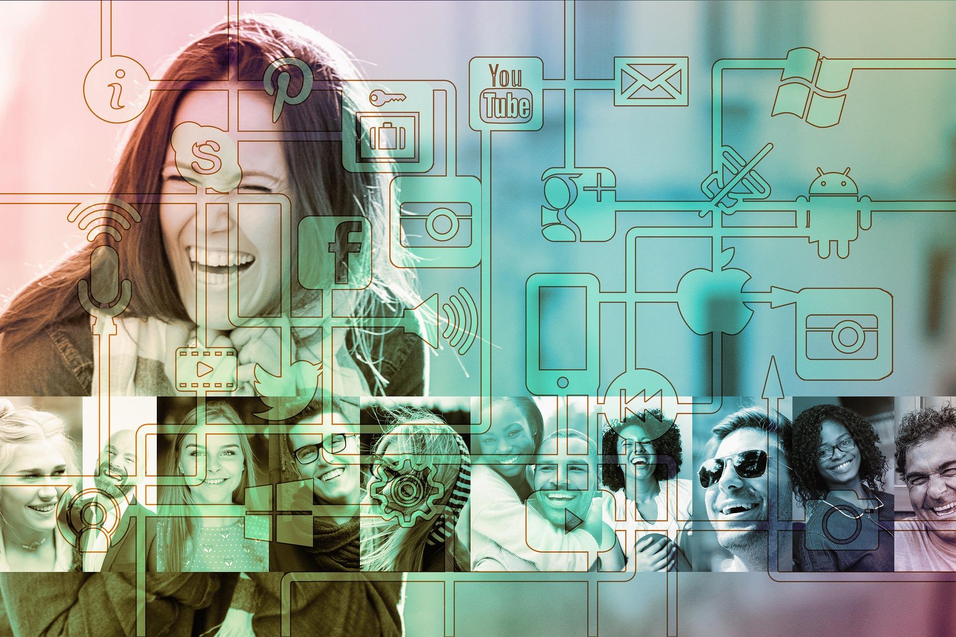 Réseaux sociaux et sourires partagés
